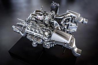 Рабочий объем двигателя составляет 3982 кубических сантиметра, а вес мотора равен 209 кг. Отдача агрегата составит 510 л.с. мощности (при 6250 об/мин) и 650 Нм тяги (в диапазоне от 1750 до 4750 об/мин). На один литр объема приходится 128 л.с. мощности и 163,2 Нм крутящего момента.