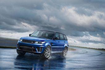 Силовым агрегатом для Sport SVR стал 5,0-литровый компрессорный бензиновый двигатель V8, развивающий 550 л.с. мощности и 680 Нм тяги.