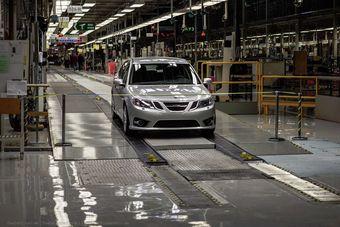 Владеющий маркой Saab консорциум NEVS не может расплатиться с поставщиками комплектующих с мая 2014 года.