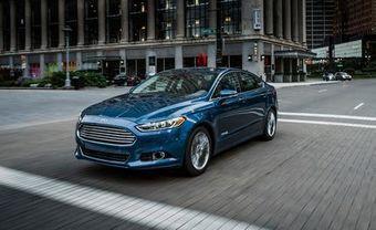 Ford продемонстрировал работу GreenZone на тестовом седане Fusion (в Европе известен под названием Mondeo), который сначала двигался по крупной улице в режиме использования ДВС, а при въезде на маленькую улочку, расположенную среди жилых домов, переключился на электротягу.
