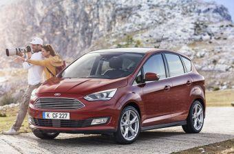 Автомобиль получил новую переднюю часть, оформленную в едином стиле Ford, светодиодные дневные ходовые огни и обновленный задний бампер и оптику.
