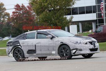 Новинка является производственной версией концепт-кара Nissan Sport Sedan, представленного в Детройте в январе 2014 года.