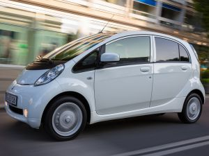 Mitsubishi отзовет более 250 электрокаров i-MiEV в России