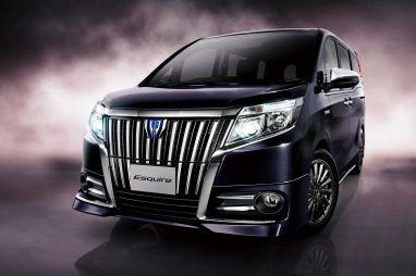 Toyota представила в Японии новый люксовый минивэн Esquire