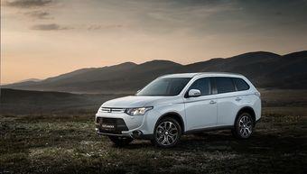Автомобиль можно приобрести по цене от 1 479 000 рублей. Новое исполнение Outlander Sport доступно только с трехлитровым мотором мощностью 230 л.с.