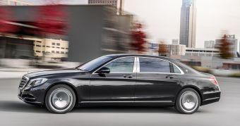 Основные отличия Майбаха от S-Class прослеживаются во внутреннем убранстве лимузина. Производитель утверждает, что новинка является самым тихим автомобилем в мире.