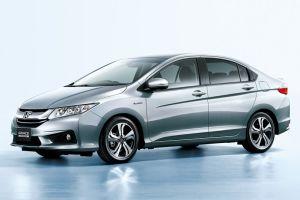 Honda выпустила новый гибридный седан Honda Grace