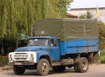 При помощи законопроекта ведомство намерено поддержать сокращающийся российский авторынок и обновить устаревший автопарк.
