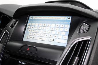 Второе поколение мультимедийной системы Ford под названием MyFord Touch получило огромное количество негативных отзывов как в автомобильных СМИ, так и среди владельцев автомобилей. Теперь производитель попытался исправить прежние ошибки.