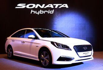 Производитель утверждает, что на разработку автомобиля потребовалось 27 месяцев работы инженеров и около 180 млрд южнокорейских вон финансирования (порядка $164 млн).