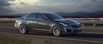 Под капотом CTS-V находится 6,2-литровый компрессорный V8 от Chevrolet Corvette Z06, отдача которого равна 640 л.с. мощности и 855 Нм тяги. Мотор работает в паре с восьмиступенчатым «автоматом». Разгон до «сотни» занимает у седана 3,7 секунды.