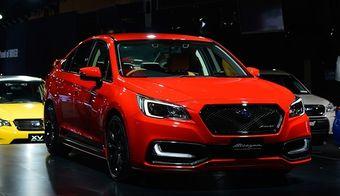 Седан Legacy нового поколения получил версию Blitzen, уже известную фанатам марки по прежним Легаси. В отличие от одноименной модификации с кузовом B4, получившей механические доработки, новинка представляет собой стандартный 170-сильный седан с аэродинамическим обвесом, 19-дюймовыми колесными дисками, декоративными дополнениями в салоне и красной окраской кузова Premium Red.