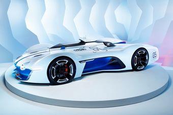 Отдельные элементы дизайна концепта являются отсылкой к моделям Alpine различных эпох, в том числе болиду для Ле-Мана под обозначением A450, а также самой известному автомобилю марки — Alpine A110.