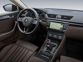 О новом Superb пока известно, что флагман Шкоды построен на базе Пассата восьмого поколения. Автомобиль обещает стать одним из самых крупногабаритных в среднеразмерном сегменте.