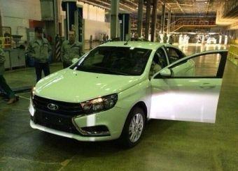 До выпуска первых товарных автомобилей осталось чуть больше семи месяцев.