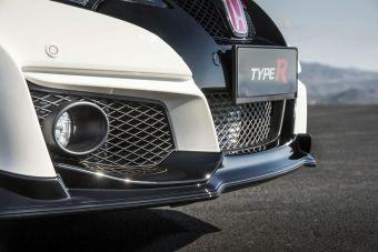 Женевский серийный образец Civic Type R нового поколения будет выкрашен в традиционный для модели белый цвет под названием Championship White.