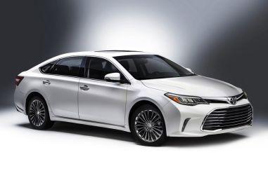 Обновленный седан Toyota Avalon показали в Чикаго