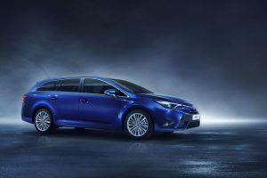 Toyota привезет вЖеневу обновленный Avensis