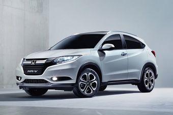В Японии аналогичный кроссовер появился в продаже в конце 2013 года. На этом рынке автомобиль можно заказать в гибридном исполнении.