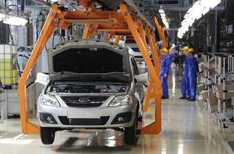Nissan рассматривает возможность продажи произведенных в РФ машин в страны Скандинавии и Восточной Европы. Hyundai также планирует продавать автомобили российской сборки за рубеж, но конкретных планов относительно перспективных рынков пока нет.