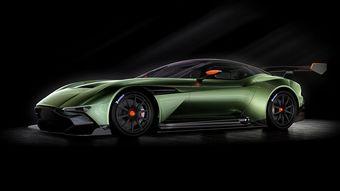 Aston Martin планирует выпустить только 24 Вулкана. Каждый из покупателей автомобиля получит доступ к программе подготовки к езде по треку.