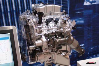 Новый 3,3-литровый турбомотор в представленной версии развивает на 17 л.с. больше атмосферного 3,8-литрового V6, используемого компанией сейчас.