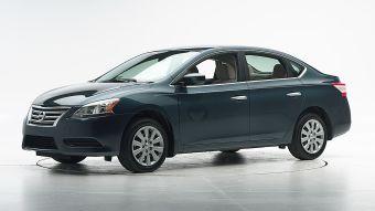 По итогам двух предыдущих тестов нынешнего поколения Сентры в США автомобиль получил оценку «плохо» в краш-тесте с 25%-м барьером.