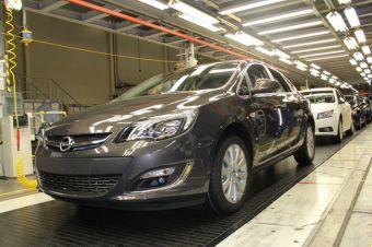Шевропе и Опель продолжат работать со своей дилерской сетью, «чтобы определить последующие шаги, которые обеспечат исполнение обязательств перед владельцами автомобилей».