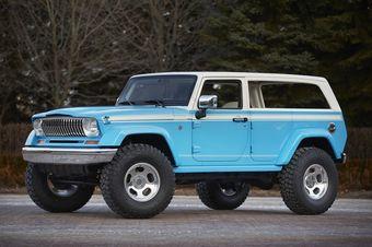 В центре внимания оказался прототип Jeep Chief, который компания называет данью уважения классическим полноразмерным внедорожникам эпохи 1970-х.