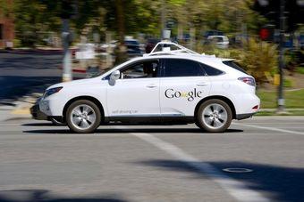 Вероятнее всего, Google намерен оснастить свои беспилотные автомобили всеми вообразимыми средствами безопасности, поскольку ДТП с их участием каждый раз привлекает внимание общественности и СМИ.