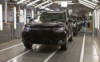 Кроме того, руководство завода не намерено продлевать 100 трудовых контрактов с работниками предприятия, которые истекают 31 марта.