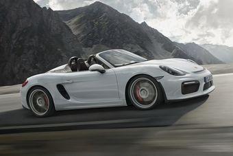 Разгон до первой «сотни» займет у родстера 4,5 секунды — на 0,5 секунды быстрее Boxster GTS. Максимальная скорость — 290 км/ч (у GTS — 281 км/ч).