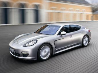 Сервисное обслуживание потребуется 60 кроссоверам Porsche Cayenne (тип 92A) и 13 хэтчбекам Porsche Panamera (тип 970), выпущенным в период с 17 марта 2011 года по 7 мая 2012 года.