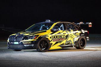 Новым болидом Фауста стал переделанный под задний привод седан Volkswagen Passat предыдущего поколения, оснащенный 7,3-литровым двигателем V8, развивающим 700 л.с. Благодаря системе впрыска закиси азота отдачу мотора можно повышать до 900 л.с.