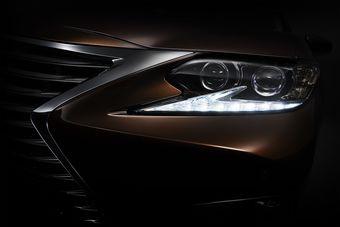 Выпускающийся на протяжении трех лет Lexus ES шестого поколения должен получить усовершенствованную внешность.
