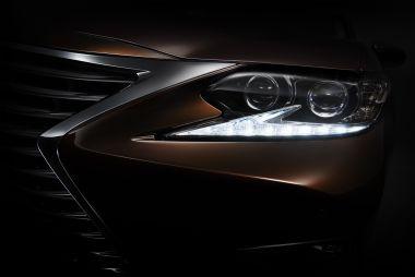 Обновленный Lexus ES покажут в Шанхае