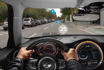 При помощи устройства водители смогут получить самую разную информацию, сохранив при этом обзор на дорогу и других участников движения. Можно предположить, что новинка представляет собой своеобразный аналог очков Google Glass.