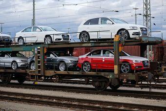 Общая стоимость ввезенных в 2015 году автомобилей составляет $1,573 млрд — в 2,1 раза меньше, чем годом ранее.