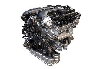 Заявленные характеристики – 608 л.с. мощности (при 6000 об/мин) и 900 Нм тяги (в диапазоне от 1500 до 4500 об/мин). В зависимости от типа автомобиля, на который будет устанавливаться мотор, разгон до «сотни» с новым двигателем займет менее четырех секунд, а максимальная скорость составит порядка 300 км/ч.
