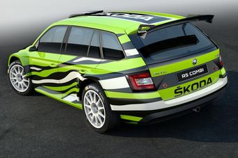 Концепт-кар под названием Fabia Combi R5 представляет собой спортивный прототип, построенный на базе одноименного универсала. Автомобиль получил трехцветную окраску кузова (белый, зеленый и черный), измененные бамперы, массивный задний спойлер и расположенный по центру глушитель.