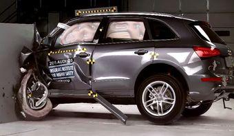 Отметим, что инженеры Audi специально усилили конструкцию машины для краш-теста с 25-процентным барьером — до 2015 года Q5 вовсе не участвовал в этих испытаниях.