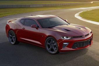 Линейка моторов включает в себя три агрегата: базовый двухлитровый турбомотор (275 л.с. и 400 Нм), 3,6-литровый атмосферный V6 (335 л.с. и 385 Нм), а также 6,2-литровый V8 (455 л.с. и 617 Нм), известный по текущему поколению Corvette.