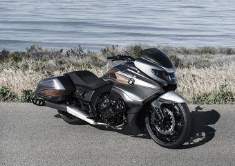 Мотоцикл оснащен 1,6-литровой рядной «шестеркой».