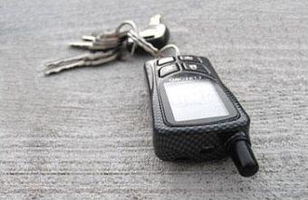 Похищения омичи совершали с помощью заранее изготовленных дубликатов ключей зажигания, а также маяков, установленных в панели автомобиля.