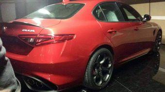 По предварительным данным, самая мощная модификация Giulia получит двигатель V6 разработки Ferrari.