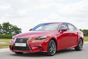 Lexus оснастил седан IS двухлитровым турбомотором