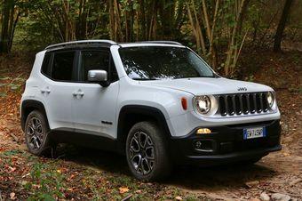 За 1 189 000 рублей покупатель получит машину в исполнении Sport с передним приводом и 110-сильным 1,6-литровым двигателем на бензине, работающим в паре с «механикой».