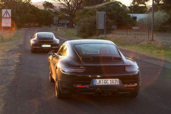 За счет даунсайзинга Porsche планирует добиться более высоких экологических показателей и снизить расход топлива. Кроме того, новые моторы окажутся актуальными на тех рынках, где большой рабочий объем моторов грозит повышенными налогами, например, в Китае.