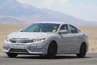 Базовым двигателем для Civic может стать новый 1,5-литровый турбомотор, который способен работать в паре с шестиступенчатой «механикой» или вариатором.