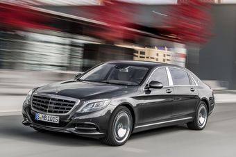 За эти деньги покупатель получит автомобиль с полным приводом, 333-сильным трехлитровым бензиновым двигателем (480 Нм) и семиступенчатым «автоматом» 7G-Tronic.